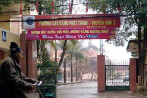cổng trường cao đẳng Phát Thanh Quang Vinh
