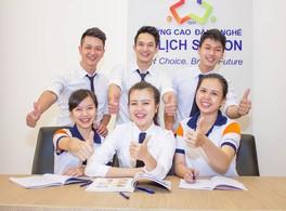 Sinh viên trường ngành marketing du lịch