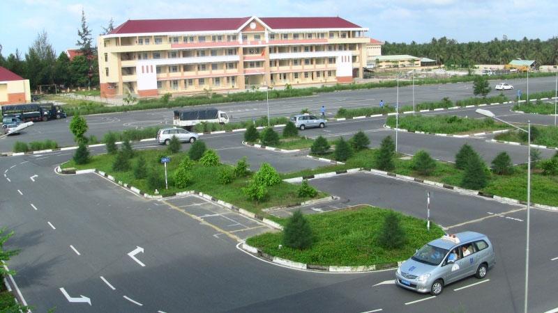 Trung tâm dạy lái xe ô tô Đồng Tiến